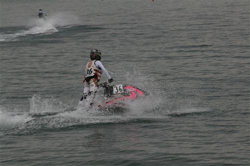 ジェットスキー スタート前_R.jpg