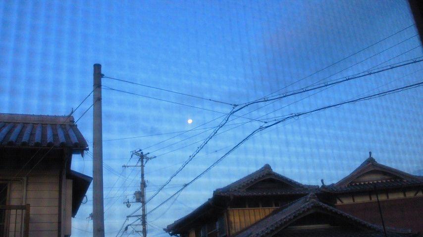 寝床からの月_R.jpg