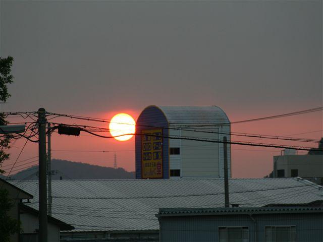 朝日_R.jpg