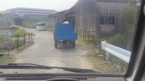 20110606右側走行農民車_R.jpg