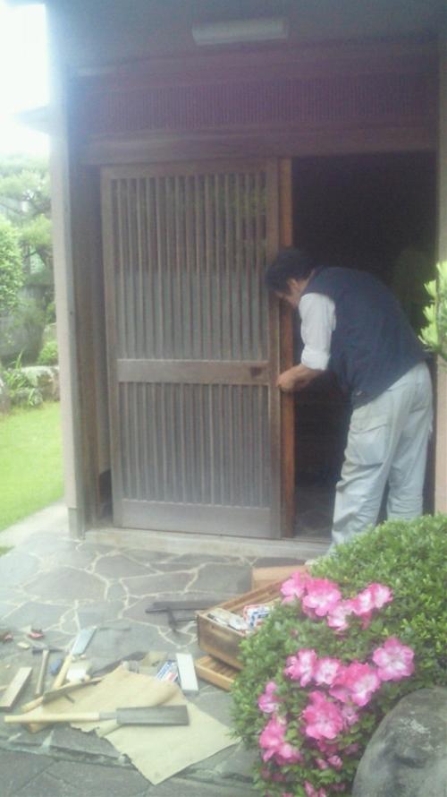20120525U様邸建具調整中_R.jpg