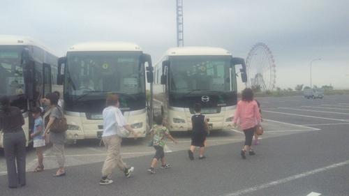 20127月バスツアーバス3台_R.jpg