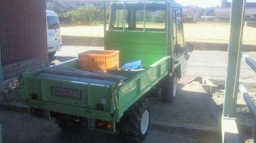 201209農作業車バック_R.jpg