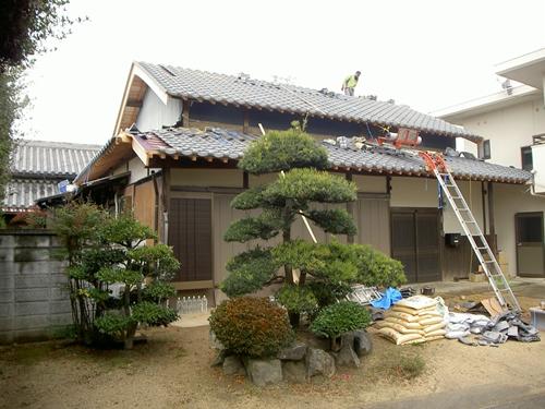 S邸屋根葺中_R.JPG