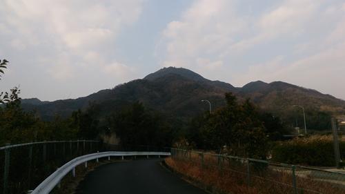 共同墓地側道~先山_R.jpg