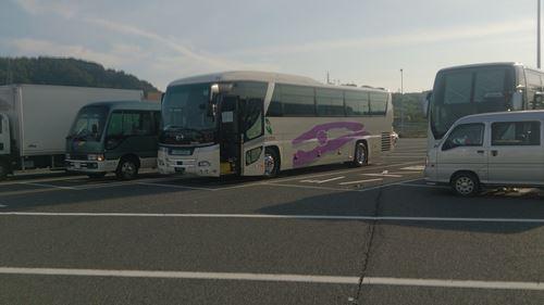 7月バスツアー バス3台.jpg