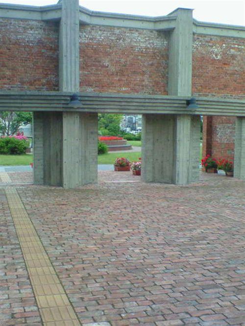赤煉瓦の図書館2_R.jpg